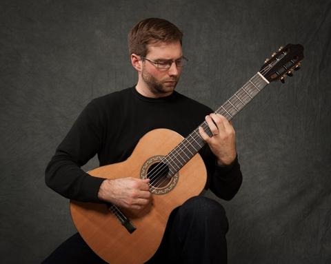 Daniel Hartington, guitar